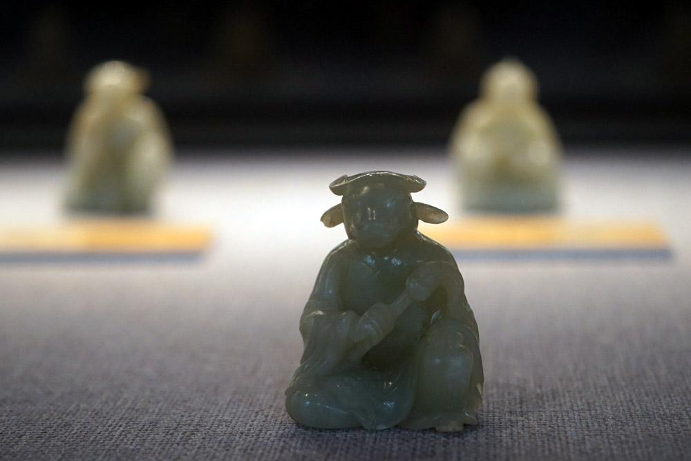 Tượng trâu bằng ngọc thời Nguyễn