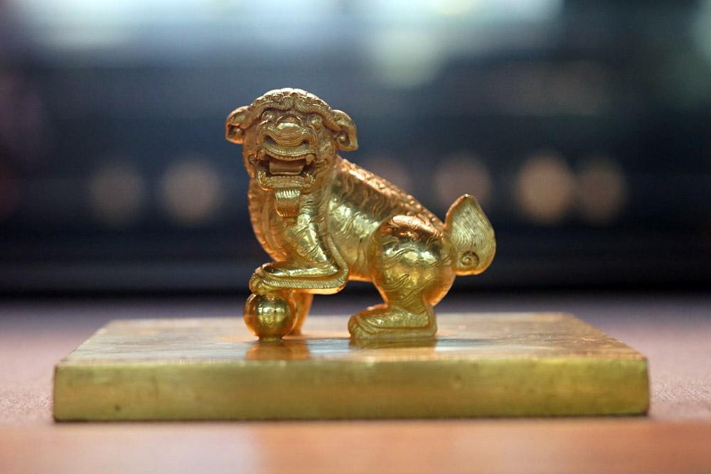 Sư tử trên ấn Đại Việt quốc Nguyễn chúa vĩnh trấn chi bảo