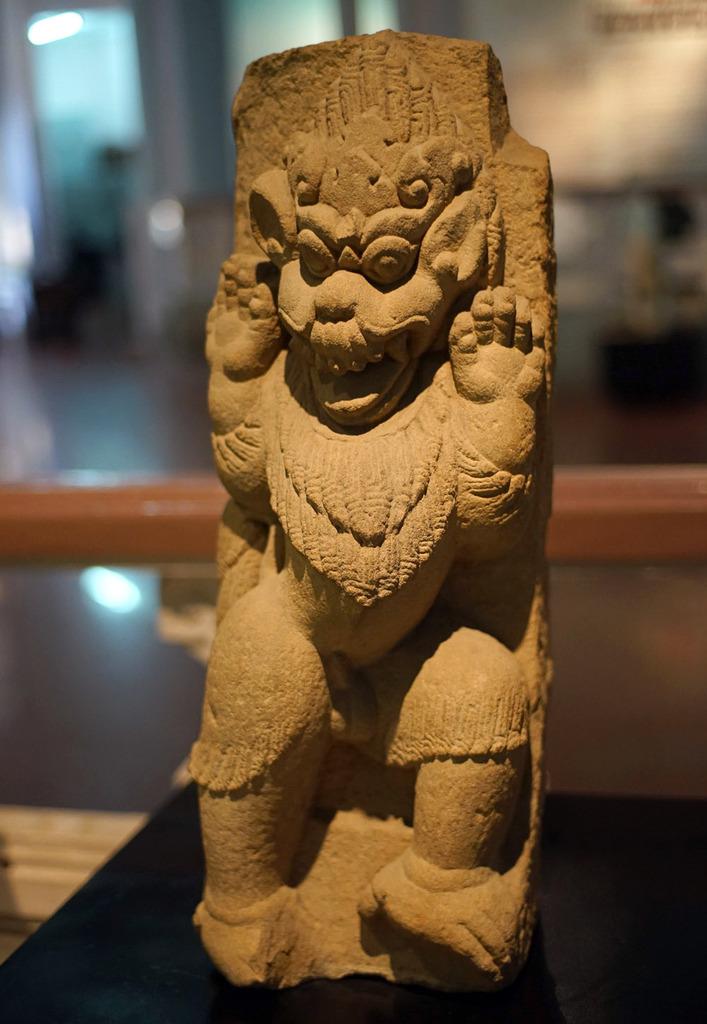 Tượng sư tử bằng đá cát của văn hóa Chămpa